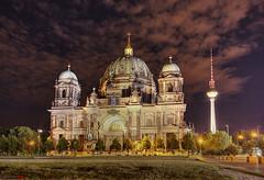 Night In Berlin (german_long) Tags: berlin alemania germany domo dome nightshot night longexposure