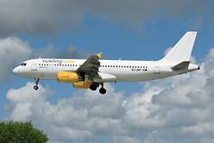 BES | A320 VUELING | 2017.05.18 (John29972) Tags: lfrb bes brest eclqm vueling brestairport brestbretagne brestaéroport aéroportbrestbretagne a320 airbus