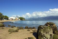 The island of the state of Santa Catarina, Brazil. (Larissa Cadorin) Tags: beach paysage praia vibrance sunny day island santa catarina nice beautiful catarinense praias