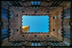 Siena (Andreas.W.) Tags: palazzo pubblico siena toskana toscana toskany samyang weitwinkel wideangle palast palace tuskany