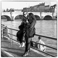 K1_A9308.jpg (fyve) Tags: iledefrance streetphotography paris france pentax k1 fyve pentaxart dfa2470 femme woman fille nb noir blanc noiretblanc bw black white blackandwhite monochrome