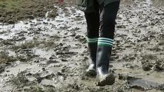 Squelching Cebos (essex_mud_explorer) Tags: cebo black rubber wellington boots rubberboots wellingtonboots wellies wellingtons welly mud muddy schlamm matsch boue gummistiefel gumboots rubberlaarzen rainboots muddywellies muddyboots
