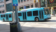 PAT Bus 3230 (Etienne Luu) Tags: bus artic articulated bendy 60 foot footer port authority allegheny county pat paac patransit pa transit pittsburgh