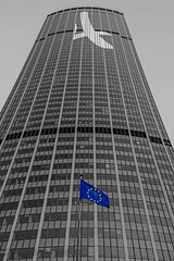 Tour Montparnasse Vs Europe (fred bmx mairet) Tags: paris paris15 france europe jo jo2014 architecture nb bw urbain urban euro