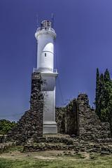 Faro de Colonia del Sacramento en Uruguay (Bernai Velarde-Light Seeker) Tags: faro lighthouse ruins uruguay coloniadelsacramento suramerica riodelaplata bernai velarde estructura structure travel cityscape architecture