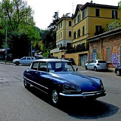 Citroën DS, Bologna, Italia (pom.angers) Tags: panasonicdmctz30 april 2017 car vintagecar ds citroënds bologna emiliaromagna italia italy europeanunion 100 150 200 5000