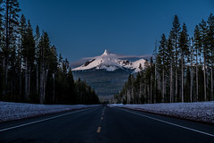 Snowy mountain road (schechen) Tags: snow bluehour landscape fujifilm fuji xt10 night moon trees moutain light sunset usa oregon nationalpark road roadtrippin travel noperson cold outdoor wild wildlife spring winter scenic panorama highway conifer ice nature