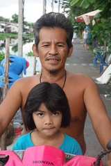 pretty girl on a motorcycle with grandpa (the foreign photographer - ฝรั่งถ่) Tags: dscaug82015sony pretty girl child grandpa grandfather motorcycle khlong lat phrao portraits bangkhen bangkok thailand sony rx100