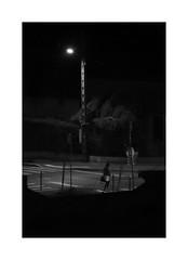 USUT - titre de chanson (OMM.photographie) Tags: monochrome nb bw 5d eos canon night nuit extérieur outdoor outside canon5d canon5dmarkiv canoneos canon5deos canoneos5d canon5deosmarkiv blackandwhite blackwhite noiretblanc noirblanc street rue dark