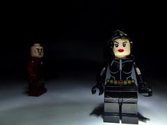 A la luz de la luna (dan95_Zambrano) Tags: luz juego negro vengadores bodegon lego legos linterna calle