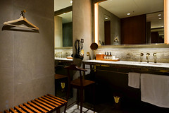 Private shower room (A. Wee) Tags: cathaypacific thepier firstclass airport lounge hkg hongkong 国泰航空 香港 机场 中国 china bathroom