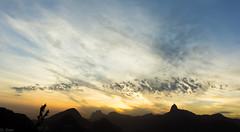 Morro da Urca (DL Goes) Tags: sony nex 5n rio janeiro morro urca landscape paisagem ceu cloud nuvens sky por do sol sunset sel1855