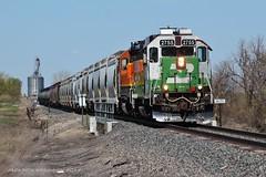 Cascade Green in the Valley - Ridgelawn, MT (MinnKota Railfan) Tags: rail cascade green railroad train trains sidney line local bnsf burlington montana northern santafe geep gp