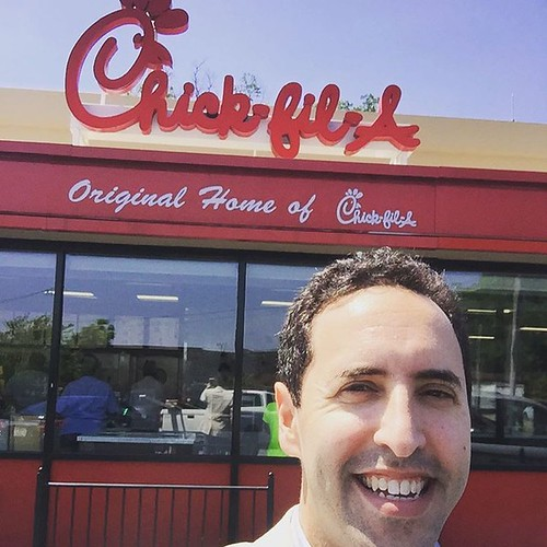 At the #dwarfhouse - which I just learned is where the @chickfila #chicken sandwich was invented