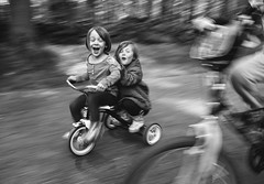 131| 365 (trois petits oiseaux) Tags: 365 motion bicycle race tricycle twins sisters family emotion childhood kids