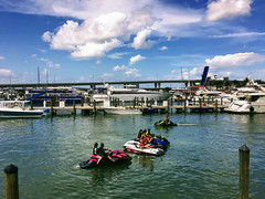 let's have some fun. (ost_jean) Tags: miami florida apple iphone sea water zee boats vacation carribean ostjean sky wolken nuages