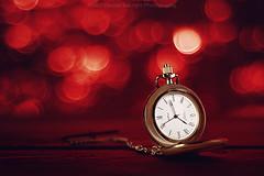 Pocket watch (Davide Solurghi Photography) Tags: davidesolurghiphotography davidesolurghi stilllife indoor inside studio naturemorte naturamorta clock time onion pocketwatch orologio tempo cipolla orologiodatasca bokeh wood