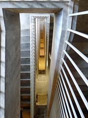Stairport (THF #8) (Cydracor) Tags: berlin thf tempelhof airport flughafen lumix panasonic tz71 ベルリン・テンペルホーフ空港 柏林滕珀尔霍夫机场 architektur stairs stairwell treppe treppenhaus