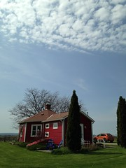 Little Round Schoolhouse Trip to Canandaigua - May 2017 (ianulimac) Tags: schoolhouse round octagon school old historic historical bb canandaigua fingerlakes ny newyork ghosts winery farm wine rural kids play getaway vacation may spring 2017