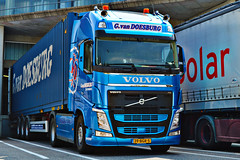 Volvo FH4 G.van Doesburg (Samuele Trevisanello) Tags: gvan doesburg g van holland volvo fh4 fh hollandstyle hollandvolvo goinstyle truck trucks truckholland truckmeeting truckspotting truckspotter fotobyst como docks italy transport veicolo camion gvandoesburg blue new allaperto