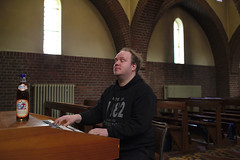 In-A-Gadda-Da-Vida (dvanzuijlekom) Tags: 2017 april arnhem bugblue canoneos5dmarkiii chapel christuskoningkapel christuskoningkapelschaarsbergen church hack42 hackerspace kapel kerk kerkorgel keyboard koningsweg organ organplayer organist orgel thenetherlands vrijland
