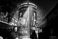 Don't Look-BP80972bw (Rob Blok / BLOK PHOTO) Tags: street amsterdam nikon fx 28mm blackwhite blokphoto robblok