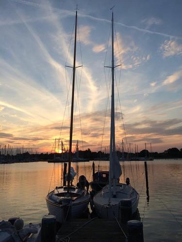 Bootsbesitzer am Abend