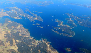 Three views of Årsta Havsbad: medium