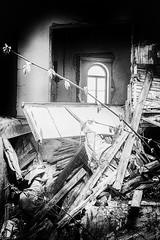 Verfall (GU-JO) Tags: deutschland eisenach hotelfürstenhof thüringen blackandwhite schwarzweis