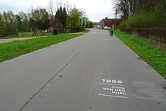 20170422 26 Kwaremont - Ronde van Vlaanderenstraat (Sjaak Kempe) Tags: 2017 lente sjaak kempe sony dschx60v belgië belgique belgium kwaremont ronde van vlaanderenstraat erelijst alle winnaars