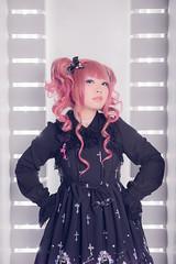 SDF_6859 (SendoFu) Tags: bonnet ボンネット エプロン風スカート blouse bl ブラウス headbow kc カチューシャ bnt 蕾絲 維多利亞 jsk op onepiecedress ワンピース jumperskirt ジャンパースカート nop lolita lolitafashion 蘿莉塔 蘿莉塔時裝 ロリータ・ファッション sweetlolita classicallolita