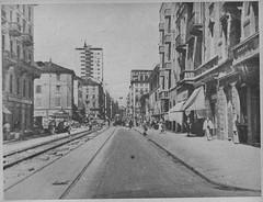 Corso Cristoforo Colombo (da Le Strade, maggio 1952 (Milàn l'era inscì) Tags: urbanfile milanl'erainscì milano milan oldpicture milanosparita vecchiefoto san cristoforo