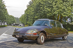 Citroën DS Spécial Berline 1972 (2527) (Le Photiste) Tags: clay sociétédesengrenagescitroënautomobilesandrécitroënsaparisfrancepsapeugeotcitroënsaparisfrance citroëndsspécialberline cc citroëndsphaseiisalonspécialberline frenchautomobile frenchicon flaminiobertoni andrélefèbvre dm4972 sidecode1 1972 vianenthenetherlands thenetherlands artisticimpressions beautifulcapture creativeimpuls canonflickraward digitalcreations finegold hairygitselite lovelyflickr mastersofcreativephotography niceasitgets photographicworld soe simplysuperb simplybecause thebestshot thepitstopshop vividstriking vigilantphotographersunite wow wheelsanythingthatrolls yourbestoftoday aphotographersview alltypesoftransport anticando autofocus bestpeople'schoice afeastformyeyes themachines thelooklevel1red bloodsweatandgears gearheads blinkagain cazadoresdeimágenes allkindsoftransport greatphotographers oldcars carscarscars digifotopro django'smaster damncoolphotographers fairplay friendsforever infinitexposure iqimagequality giveme5 livingwithmultiplesclerosisms photographers planetearthtransport planetearthbackintheday prophoto slowride showcaseimages groupecharlie photomix saariysqualitypictures theredgroup interesting ineffable fandevoitures simplythebest transportofallkinds