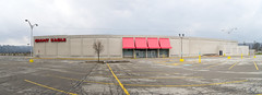 Former Kmart in Rochester, PA (Nicholas Eckhart) Tags: america us usa rochester pennsylvania pa retail stores 2017 gianteagle supermarket grocerystore market former reuse kaufmanns departmentstore kmart discountstore vacant empty
