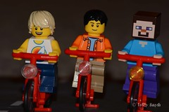 Training (120/365) (Tas1927) Tags: 365the2017edition 3652017 day120365 30apr17 lego minifig minifigure bike bicycle