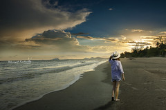 Lost (Akkarapat) Tags: sunset sundown sunrise sunbeam sunshine sun sunray beach dramatic dreaming dreamatic drama dream fantasy color cloud classic creative colour emotion nikon d7200 sigma1020 sigma
