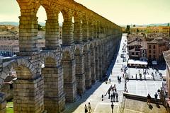 Acueducto (JC Arranz) Tags: españa arquitectura ciudad atardecer dorado segovia monumentos turismo patrimoniodelahumanidad romanico castillayleon aqueducto cascoantiguo