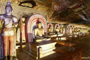 Golden Temple of Dambulla, Sri Lanka / Templo de Oro de Dambulla, Sri Lanka