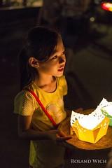 Hoi An - Candle Vendor (Rolandito.) Tags: south east asia southeast viet nam vietnam hoi an girl candle seller vendor night light lights candles