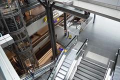 2017_Berlin_5783 (emzepe) Tags: 2017 május tavasz germany alemagne deutschland németország saksa berlin vasút railway eisenbahn állomás vasútállomás bahnhof gara gare station nádraží stanica