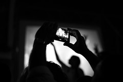 poeta halley (pepe amestoy) Tags: blackandwhite streetphotography people spring festival alicante loveoflesbian fujifilm xe1 carl zeiss planar 250 zm t m mount