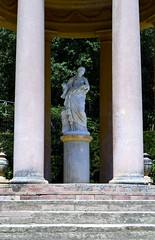 TEMPLET DE DANAE (PARC DEL LABERINT D'HORTA) (Yeagov_Cat) Tags: 2017 barcelona catalunya templet columnesdestiltoscà templetdestilitalià parcdellaberintdhorta templetdedanae danae
