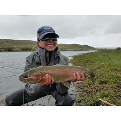 Val Vernon making the most of a nasty weather day. @robertbudelman @a.m.boehlke @simmsfishing @visitwyoming @gordyandsons #northplatteriver #flyfishing #fishwyoming