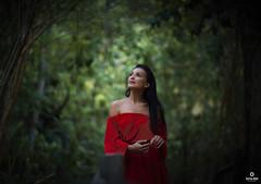 MOTHER NATURE (carlos.odeh) Tags: d810 nikon bokeh portrait 85mm f14 woman