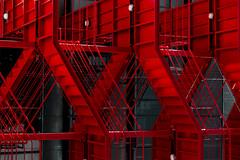 Vermelho industrial / Industrial red (Nuno's Photo Warehouse) Tags: 2017 nunofrocha portugal porto line linha white arquitetura architecture windows janelas stairs escadas fire incêndio vermelho red