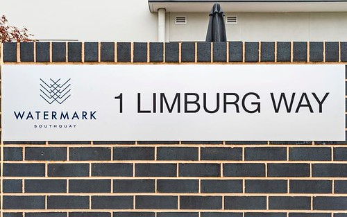 8/1 Limburg Way, Greenway ACT