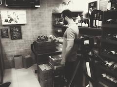 Contemporâneo Wine & Beer (KyllerCG) Tags: américadosul brasil brazil campinagrande contemporâneo italowallenberg paraíba southamerica blackandwhite cidadesnordestinas gente lojas makingof people photoofthephoto portrait snapseed stores