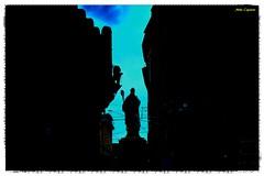 """""""Il sole splende per tutti."""" (michelecipriotti) Tags: bologna emiliaromagna centro sanpetronio scultura letorriasinelli piazzadiportaravegnana cielo patrono leone centrostorico"""