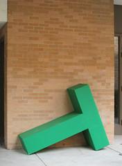 Green T (ja cour) Tags: universityofnorthalabama una florence artclass artdept giant reallybig green t helvetica bricks class outdoors alphabet letter prop