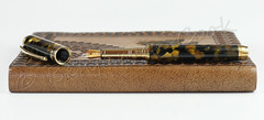 Honey Noire Conway Stewart Fountain Pen - Bock Bimetal Nib (BenjaminCookDesigns) Tags: noir honey conway stewart fountain pen pens follerball british bespoke handmade fpgeeks classic retro vintage artdeco gold black yellow